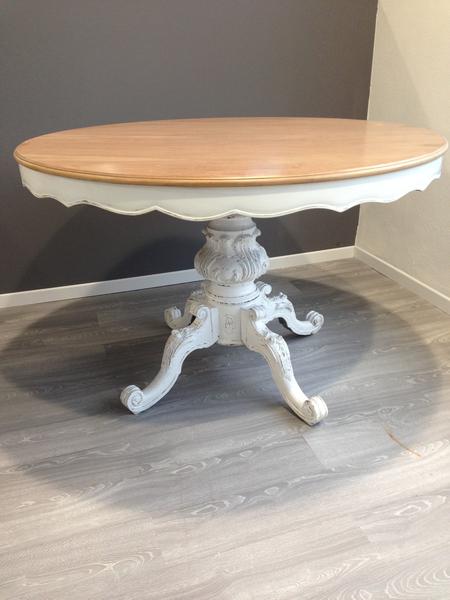 Tavoli decapati amazing tavolo rotondo in stile barocco - Decapare un mobile scuro ...